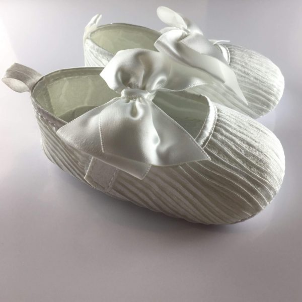 pleated shoes front